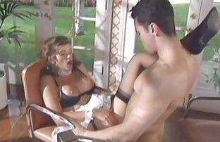 رقصنده عکس سکس کیر وکس رقصنده را تعقیب می کند.